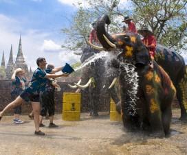 Songkran Review – Enjoy to Thailand Water Festival 2013